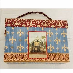 New Decorative Box with 18 Note Cards Envelopes